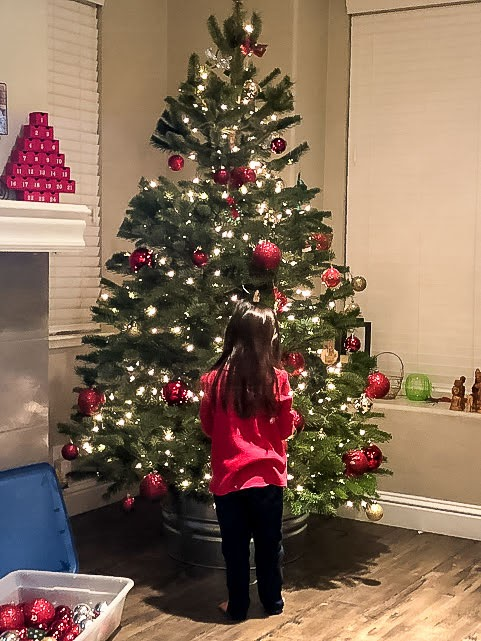 Decorating the Christmas Tree with kids - tips for a kid friendly tree