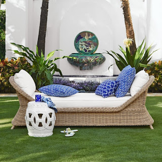 https://www.williams-sonoma.com/products/manchester-settee/?pkey=s%7Cpatio%20furniture%7C124