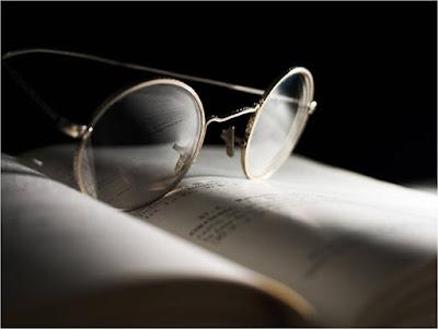 Menghilangkan Goresan Pada Lensa