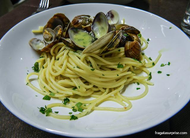 Espaguete ao vôngole da Pescheria Acquasalata, Testaccio, Roma