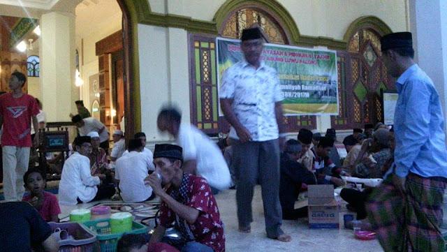 Hari Pertama Puasa, Pemkot Palopo Buka Puasa di Masjid Agung, Wali Kota Imbau Makmurkan Masjid
