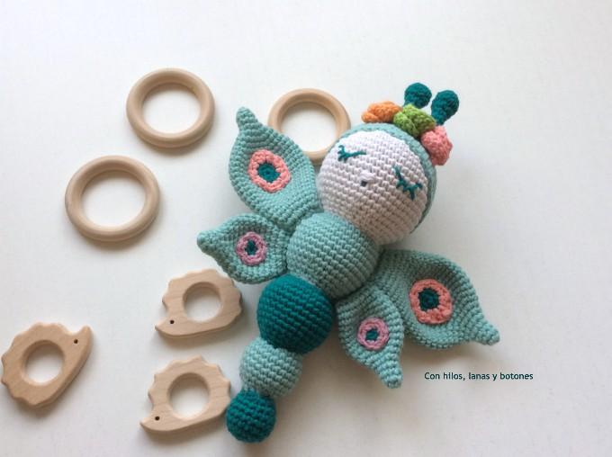 Con hilos, lanas y botones: Leti mariposa amigurumi (patrón Cucapuntoes)