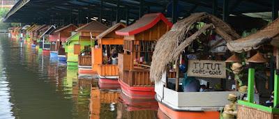 Pasar Terapung Lembang, Rasakan Berbelanja di Atas Kapal