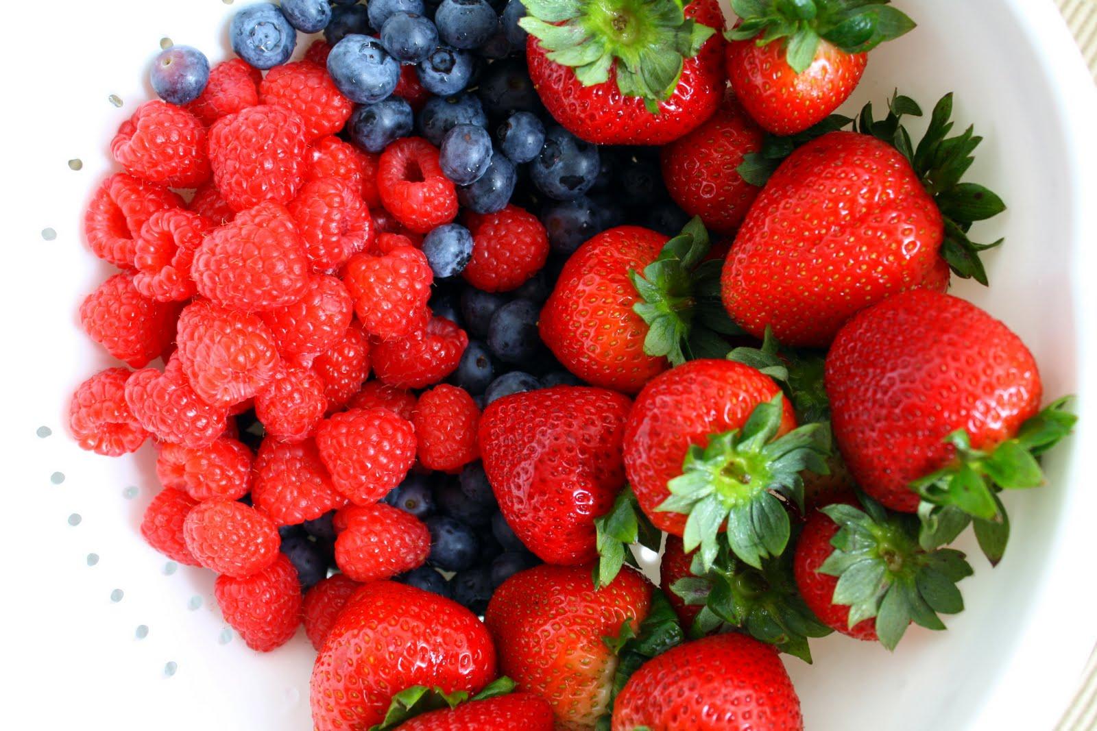 Make My Kitchen A Bitchin Kitchen Summer Berry Tart