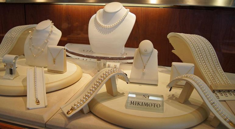 5c5bf8bb21f Compra de joias e bijuterias nas joalherias dos outlets na Califórnia