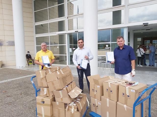 Διαμοιρασμός υγειονομικού υλικού από το Περιφερειακό Συμβούλιο Σωματείων Ταξί Πελοποννήσου