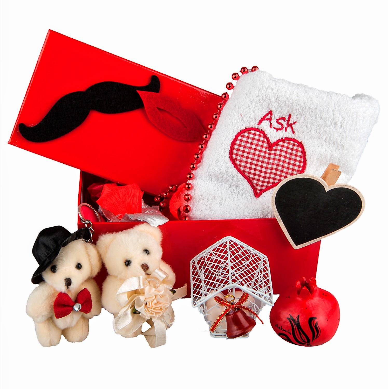 Sevgililer Günü için Baştan Ayağa Kırmızı