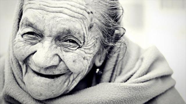 ¿Cuáles son las causas del envejecimiento y la muerte?