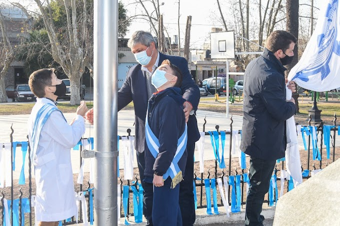 """""""Hoy hacer patria es cuidarse y cuidar al otro"""", expresó Ricci en el acto oficial por la muerte de San Martin"""