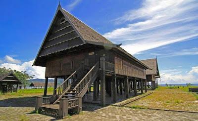 Rumah Boyang Sulawesi Barat