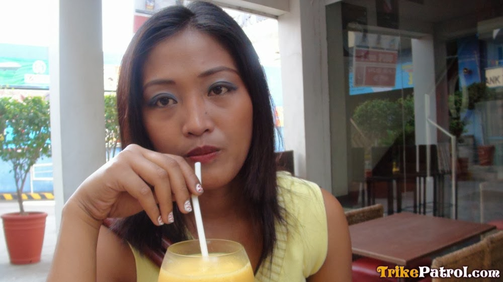 Dark-Skinned Filipina Tramp Picked Up At The Mall For -5126