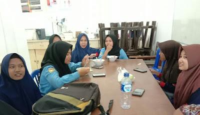 Smk Asal Mojokerto dan Pasuruan PKL di Unitri
