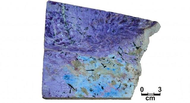 nuevo mineral encontrado en siberia rusia