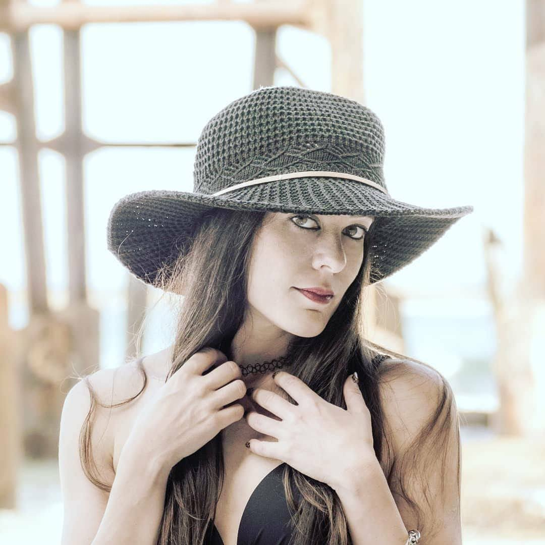 Victoria Ferrara 4