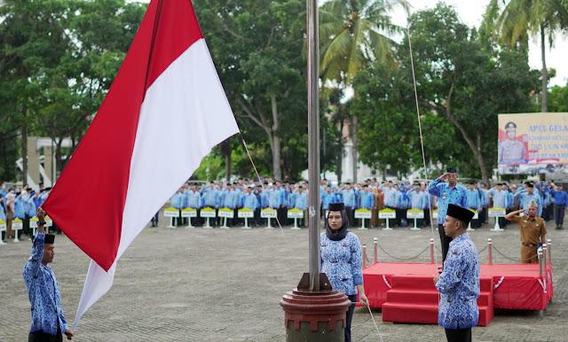 Pemkab Lamsel Gelar Upacara Bulanan dan HUT Provinsi Lampung Ke-55