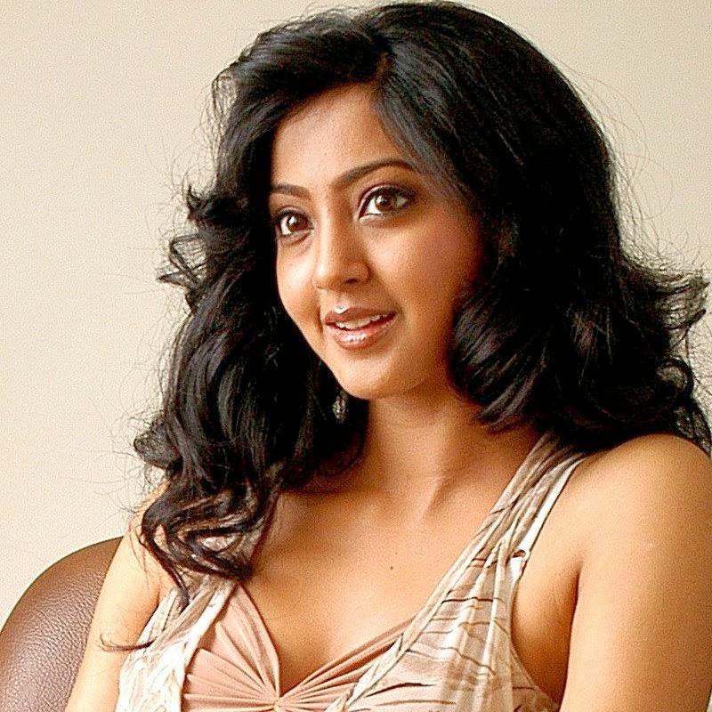 Coleton Ray Actor Home: Hot Images: Kannada Film Actress Aindrita Ray Hot Photos