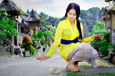 Inilah 4 Pesona Perempuan Bali yang Membuat Kamu Jatuh Hati
