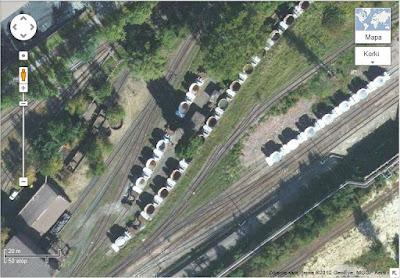 Wagony kadzie odstawione na trenie krakowskiego kombinatu