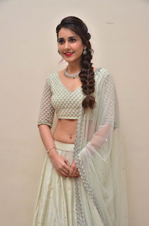 raashi khanna at avakusa trailer launch 8