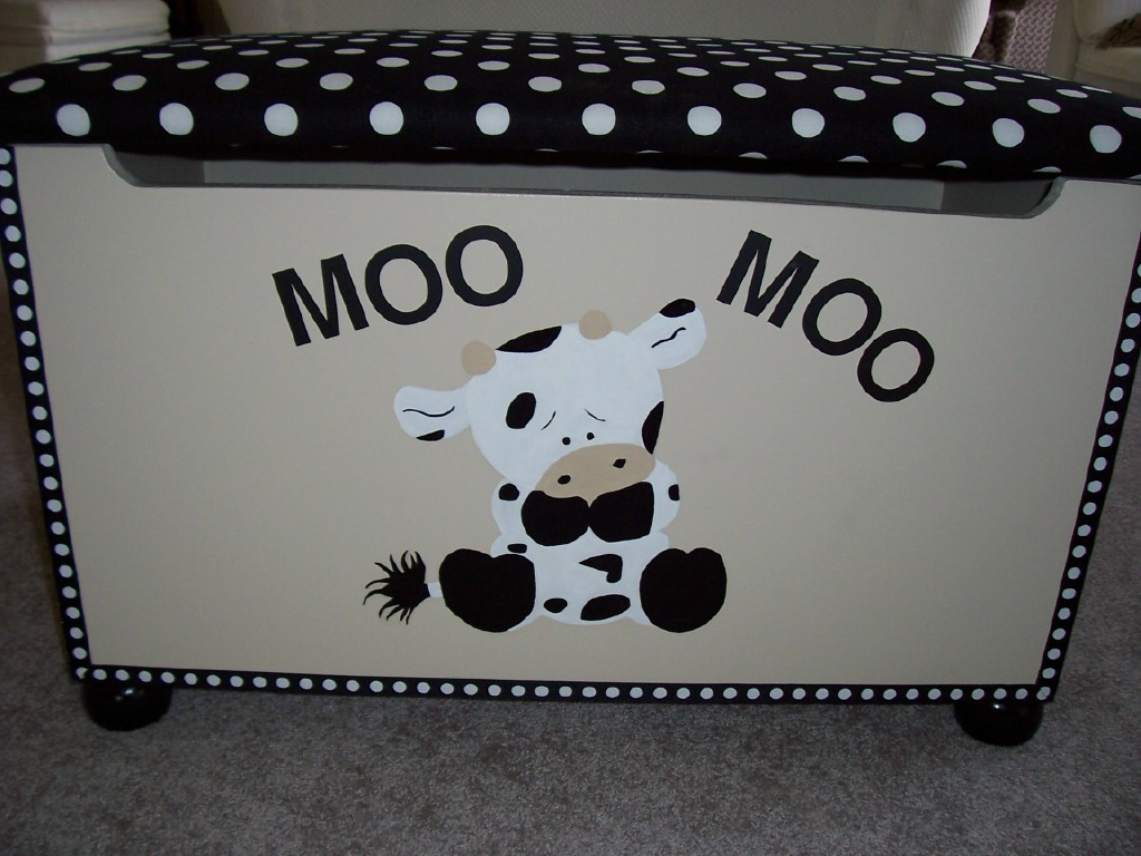 Custom Creative Collections By Reta Baby Cow Toy Box