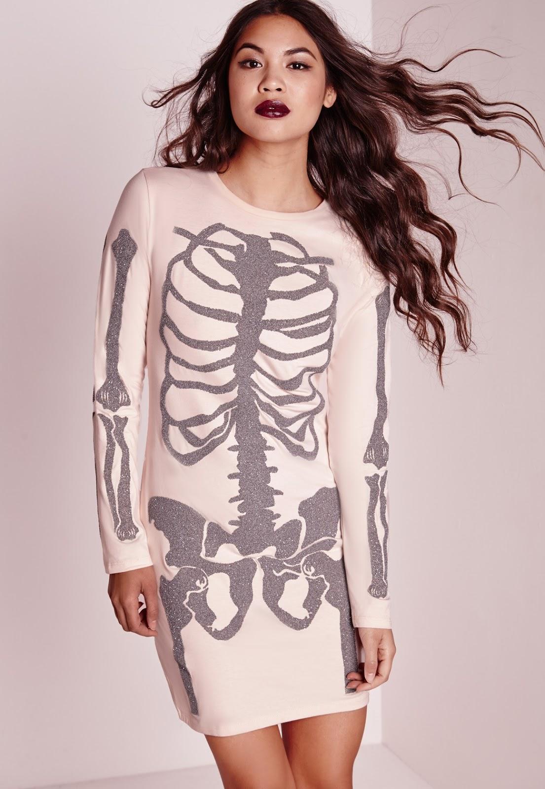 Dead Easy Halloween Costume Ideas For REALLY Busy Moms - via BirdsParty.com