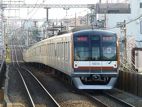 【ダイヤ改正で頻発!】東京メトロ10000系の急行 和光市行き