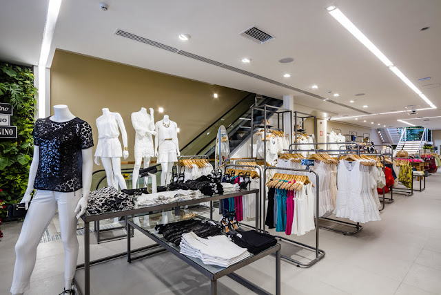 Imagem interior loja Riachuelo Ipanema- cross merchandising