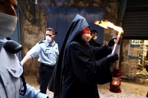 В Иерусалиме сошел Благодатный огонь!!!