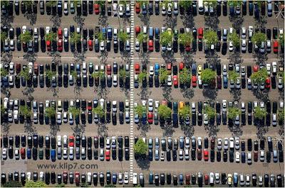 """Fotos de coleccion: """"Habra algun estacionamiento vacio?"""""""