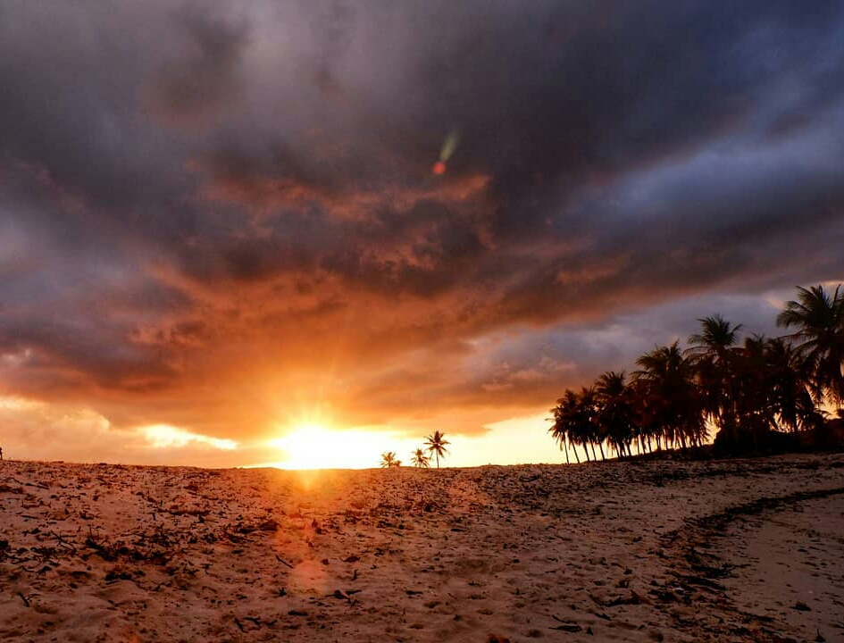 oeseli beach sunset