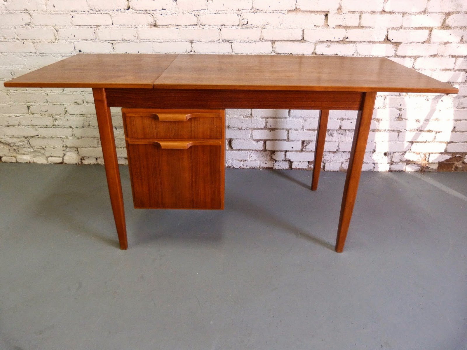 Danish Modern extened teak mid-century drop leaf desk