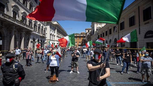 احتجاجات في جنوب إيطاليا ضد قيود مكافحة فيروس كورونا