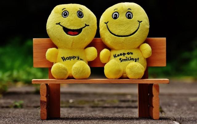 Kebahagiaan (Happiness) - Pengertian, Aspek, Ciri dan Faktor yang Mempengaruhi