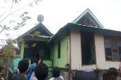 Gas Bocor Picu Kebakaran, Satu Rumah Warga di Labuhan Lalar Terbakar