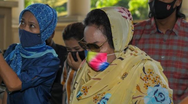 Rosmah diarah bela diri