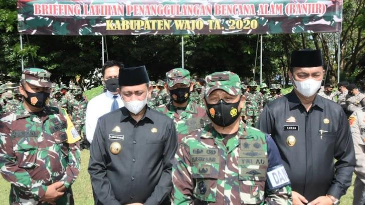 Danrem Brigjen TNI Djashar Djamil Hadiri Briefing Latihan Penanggulangan Banjir di Wilayah Kodim Wajo