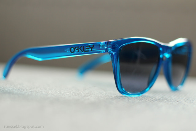 615a05abfd Oakley Frogskins Acid Blue Polarized