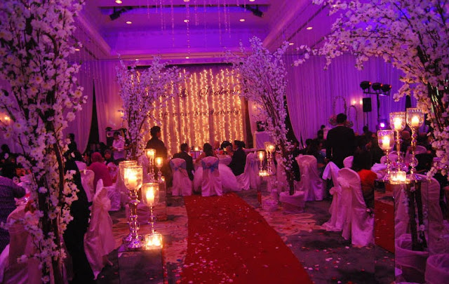 wedding hall purple dim romantic lighting