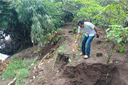 2 kuburan di Jombang hilang gegara makam tergerus sungai