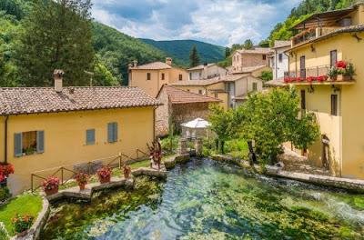Rasiglia il borgo delle sorgenti - Gite e vacanze in Umbria