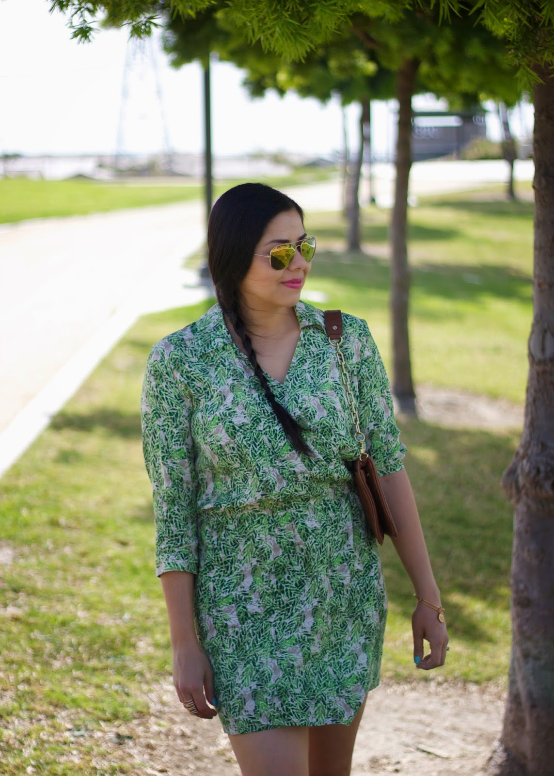 Green shirt dress, the perfect tropical shirtdress, latina blogger, latina fashion blogger, mexican fashion blogger