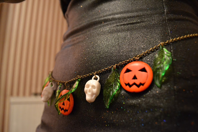 Voodoo Betty's Boutique Pinup Halloween Accessory Review