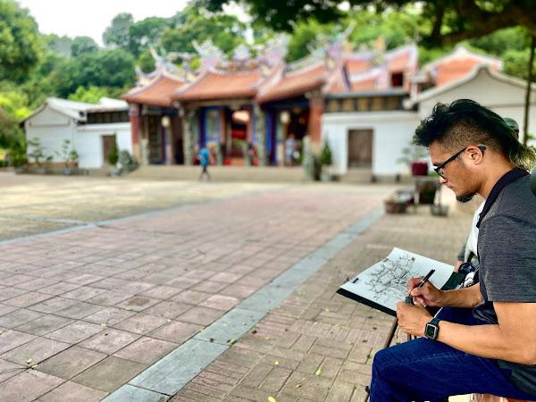 速寫畫家鄭開翔 帶領遊客跟著畫布遊參山