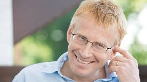 Dr Phil Hammond Age, Wiki, Biography, NHS, Wife, Net Worth