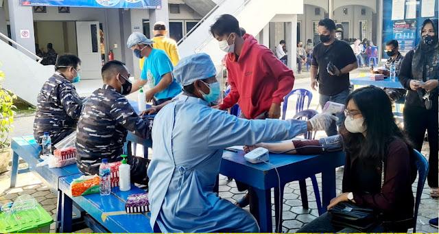 Lanal Banjarmasin gelar vaksinasi massal