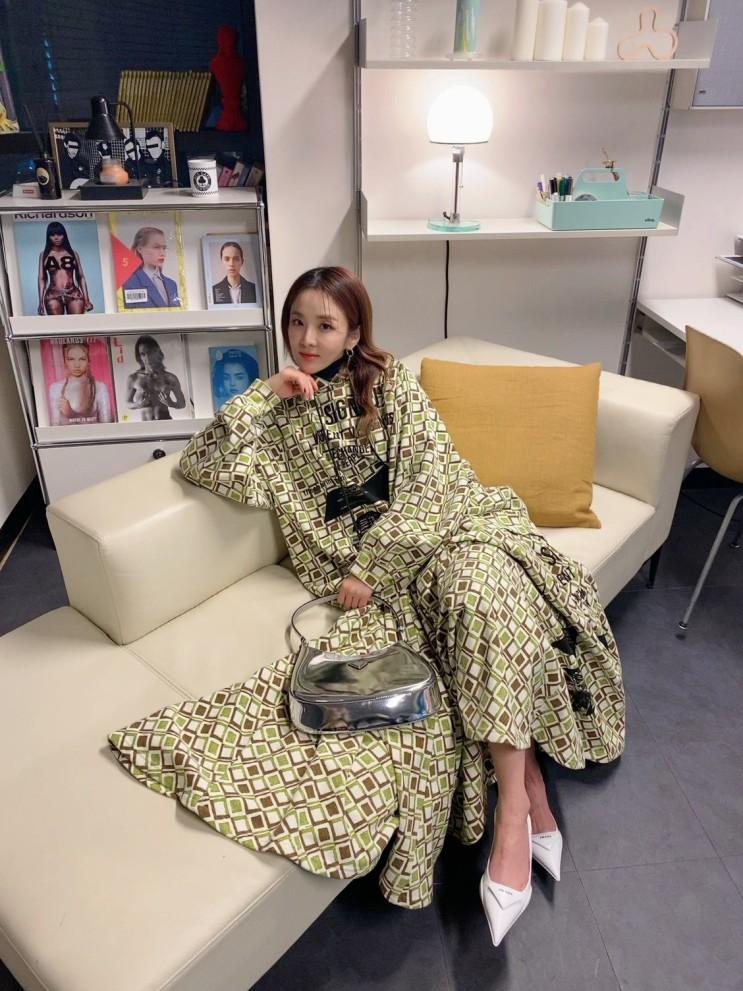 산다라박의 온라인 패션쇼