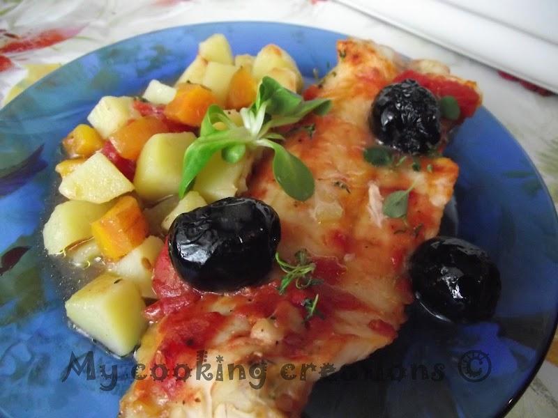 Мерлуза на фурна с картофи, маслини и домати(Бяла риба плакия)* Merluzzo al forno con patate, olive e pomodori