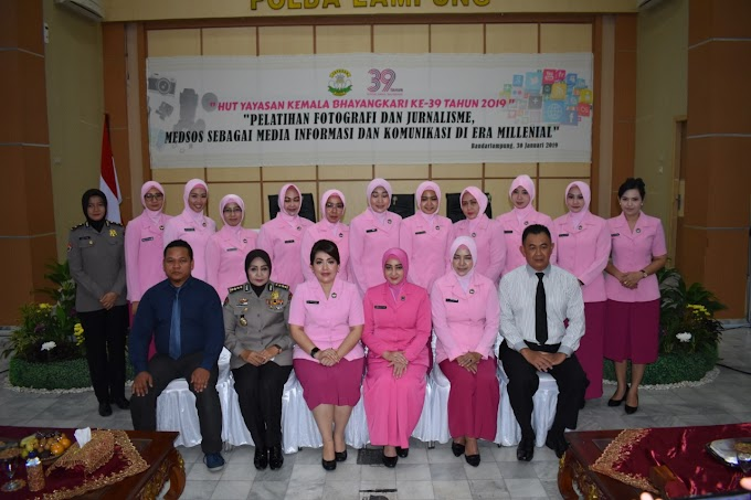 Menyambut HUT Yayasan Kemala Bhayangkari Ke 39 Daerah Lampung, Adakan Pelatihan Fotografi Dan Jurnalime