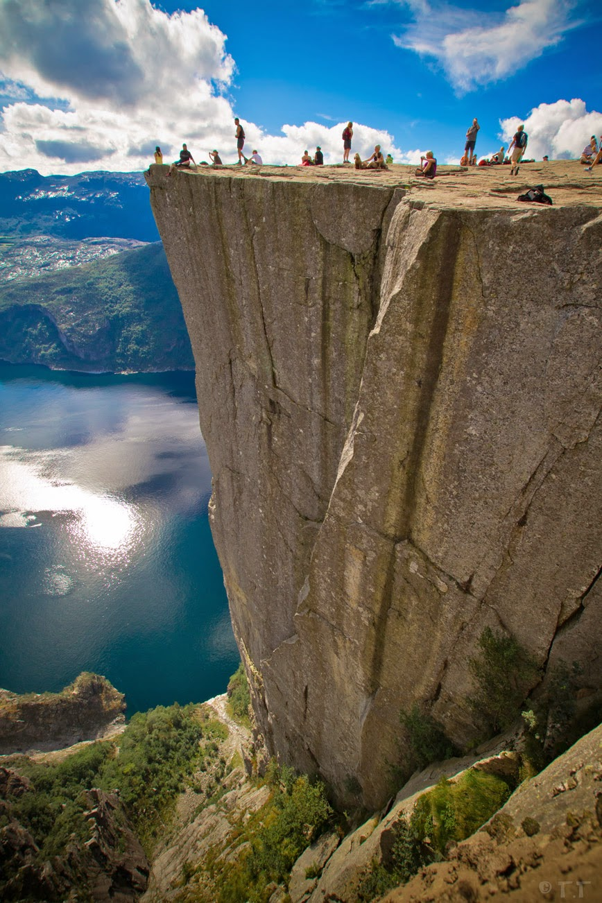 9. Preacher's Pulpit – Preikestolen, Norway - 27 Amazing Travel Photos That Will Infect You With The Travel Bug