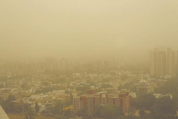 दिवाली के बाद और बिगड़ी दिल्ली-NCR की हवा